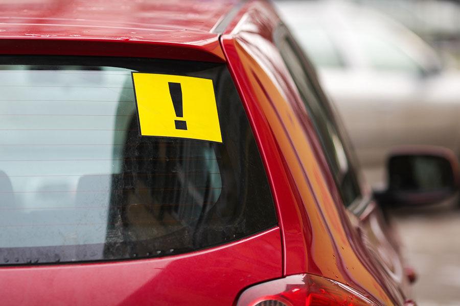 МВД намерено законодательно запретить водителям ездить зимой на летней резине