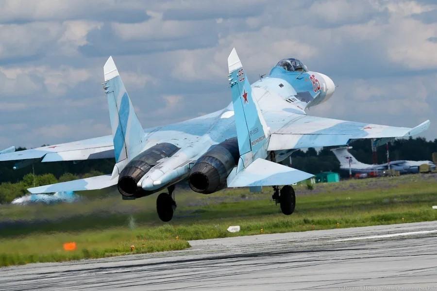 Русский  истребитель перехватил «Посейдон» над темным  морем