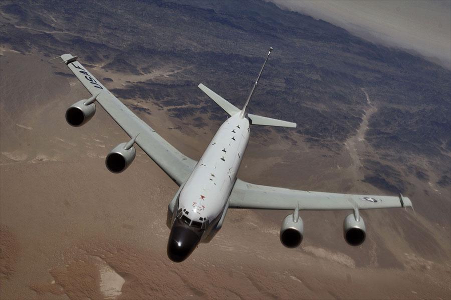 Самолет-разведчик ВВС США пролетел вдоль границ Ленинградской области