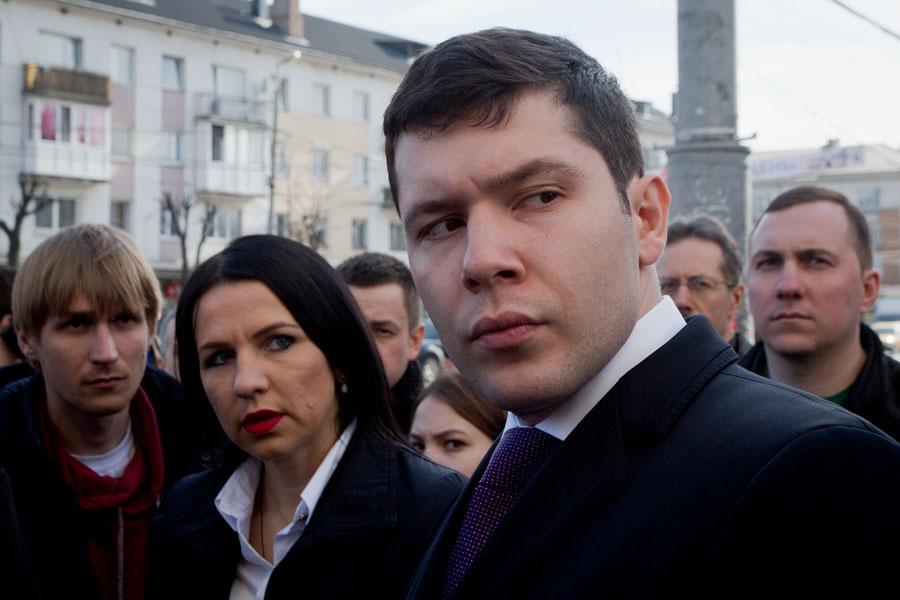 Депутата изобластного руководства задержали заполучение крупной взятки