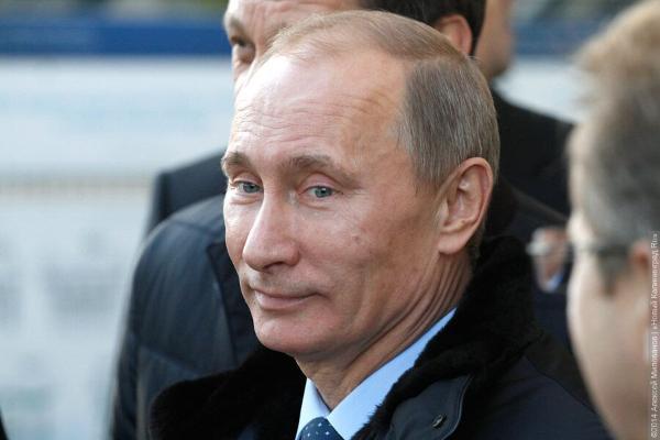 Путин встречается спредставителями СМИ намедиафоруме вКалининграде
