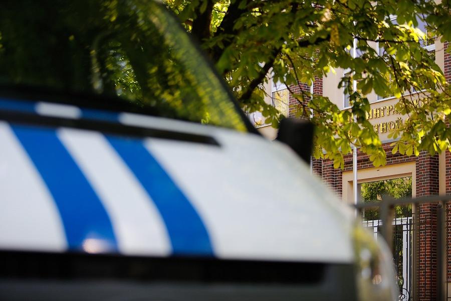 Полицейские привлекли спецназ «Гром» для задержания собственников наркопритона вКалининграде