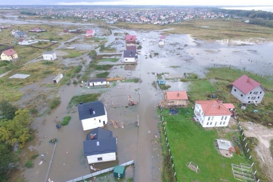 Cотрудники экстренных служб завершили работы поликвидации подтопления поселков под Калининградом