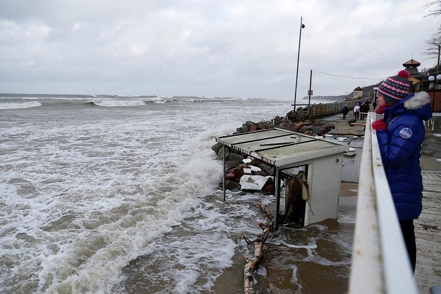 Из-за штормового ветра задержаны авиарейсы изаэропорта Анадыря