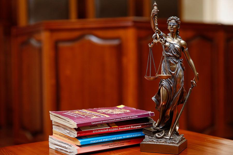 Районный суд не принял иск экс-главы Славска к Алиханову