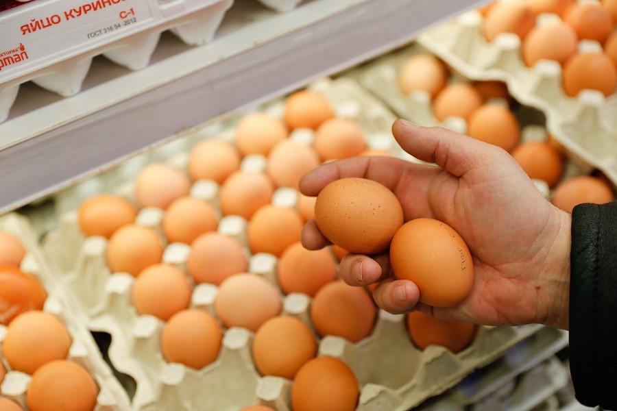 Жители России стали чаще покупать куличи, чем печь— Опрос