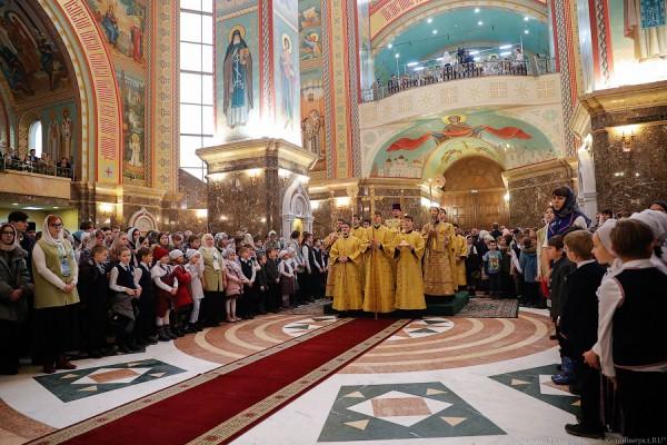 Закон духовной традиции: патриарх Кирилл провёл литургию в Калининграде (фото)