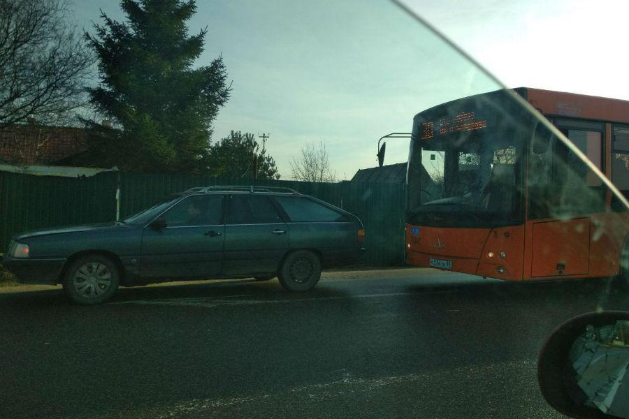 Автобус попал в аварию калининград