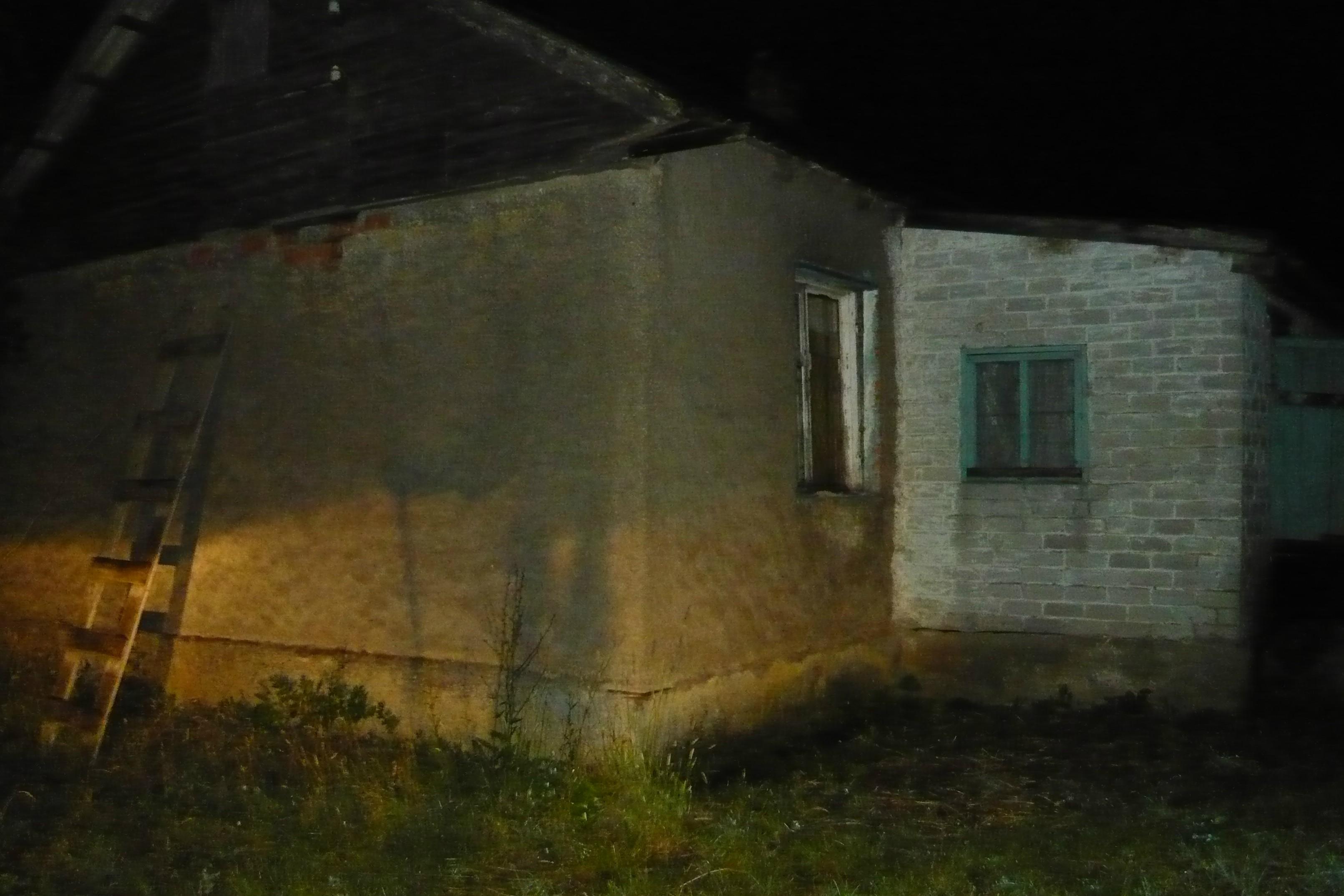Под Черняховском умер мужчина, пытавшийся подключить дом кэлектричеству