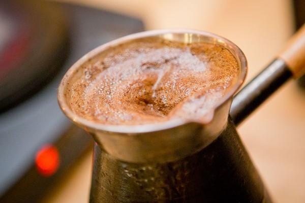 Как научиться варить кофе в турке