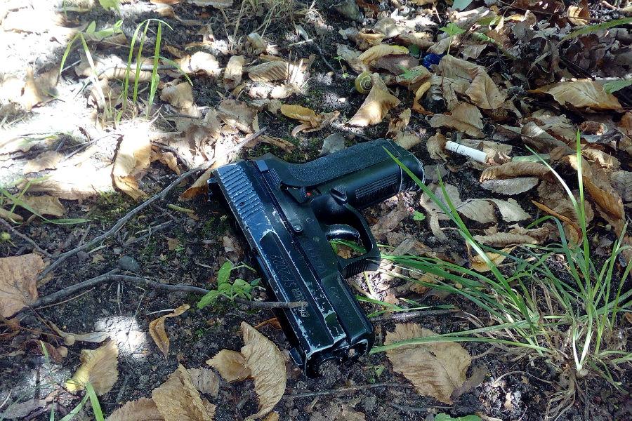 Схвачен калининградец, размахивавший пистолетом наостановке