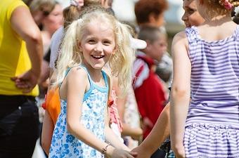 Новогодние праздники для детей в королеве