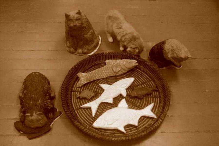 Скульптуру обедающих котов установят всквере Зеленоградска, где любят подкармливать бездомных животных