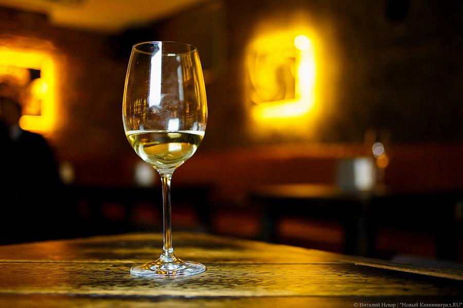 В государственной думе посоветовали закрепить минимальную стоимость бутылки вина