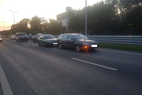 На трассе у мотеля «Балтика» столкнулись 4 авто (фото)