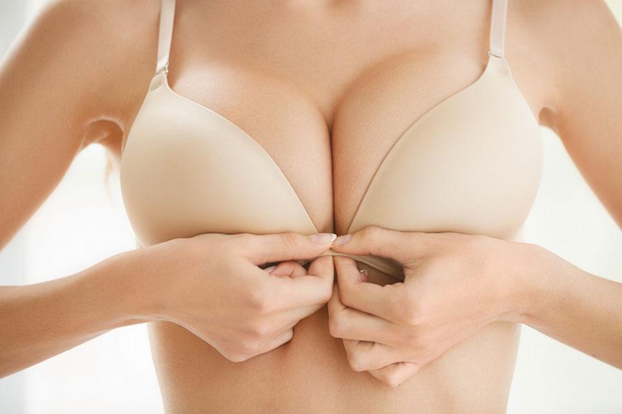 Скачать фото женской груди